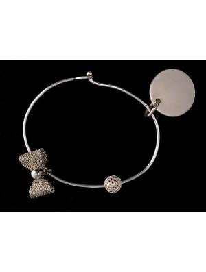 Bracelet rigide avec charms