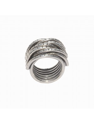 Ring demi fils by Jez Debugey