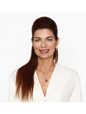 Sandra présente les BO Fibule II et le collier Lavallière